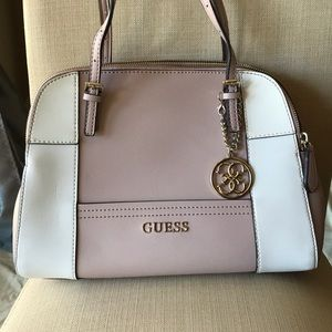 GUESS pink and white double zipper handbag!